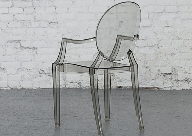 LOUIS GHOST chair Designed by Philippe Starck Transparent colour 490x540x925 mm Price: 1.200.000 VND/pcs