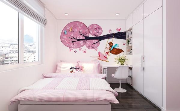 Không gian dễ thương của cô con gái út tràn ngập màu hồng với giấy dán tường và vách vẽ hình đáng yêu.